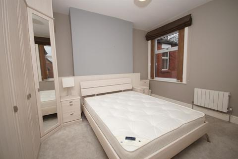 1 bedroom in a house share to rent - Room 3, Somerset Road, Heaton