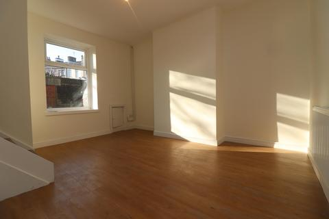 2 bedroom terraced house to rent - Ward Street, Great Harwood, Blackburn, BB6 7AW