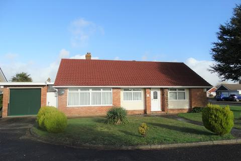2 bedroom detached bungalow for sale - West Meads, Bognor Regis