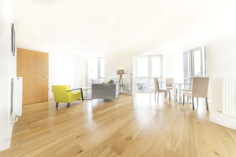 3 bedroom apartment for sale - Sky View Tower, 12 High Street, E15