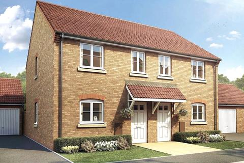 3 bedroom semi-detached house for sale - Windermere Drive, Corby, Northamptonshire, NN18
