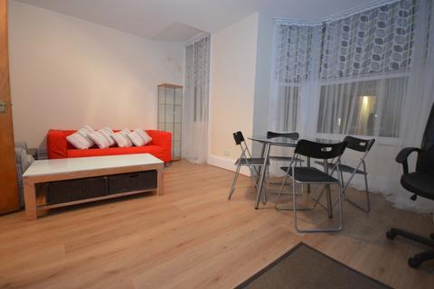 1 bedroom flat to rent - Blythe Hill SE6