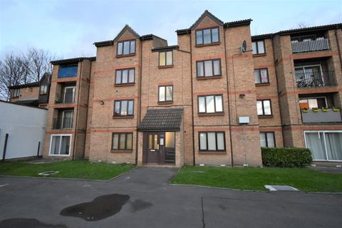 2 bedroom flat for sale - Sandcliff Road Erith DA8