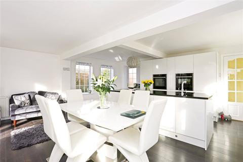 2 bedroom bungalow for sale - Willis Close, Great Bedwyn, Marlborough, Wiltshire, SN8
