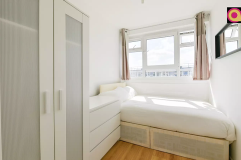 1 bedroom flat share to rent - Ford Street, Old Ford, London E3