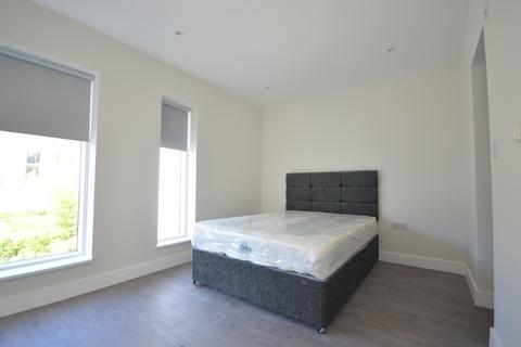 1 bedroom house share to rent - Chadbourn Street , London  E14