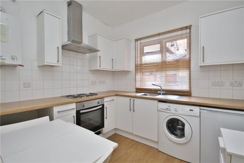 Ground floor flat to rent - Baillie Road, Guildford, Surrey, GU1