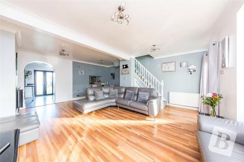3 bedroom terraced house for sale - Castle Avenue, Rainham, RM13