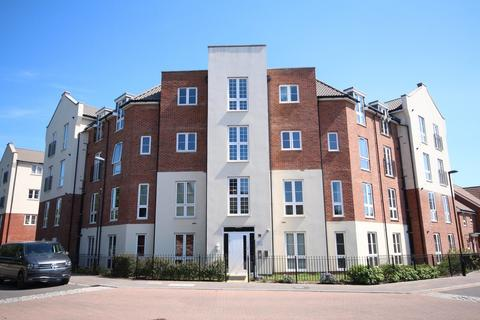 2 bedroom apartment for sale - Stephenson Court, 19 Cambrian Way, Worthing, BN13 1FP
