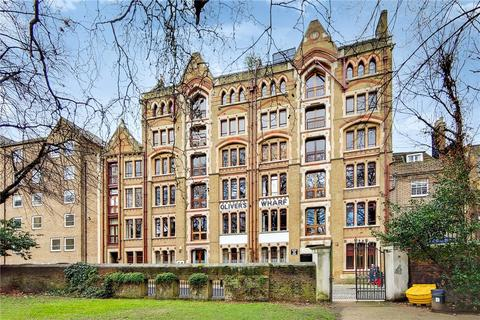 3 bedroom flat for sale - Olivers Wharf, 64 Wapping High Street, London, E1W