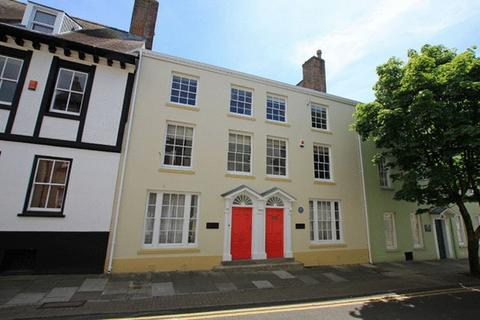 Property to rent - Quay Street, Carmarthen