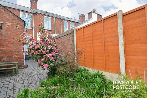 2 bedroom terraced house for sale - Whyley Street, West Bromwich, B70 9LX