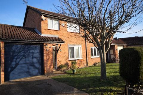 3 bedroom semi-detached house for sale - Flamborough Close, Lower Earley, Reading, RG6