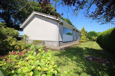 4 bedroom detached bungalow for sale - 19, Osnaburgh Court, Dairsie, Fife, KY15