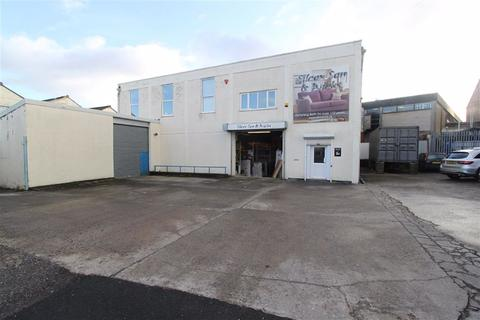 Industrial unit to rent - Flowers Hill, Brislington, Bristol