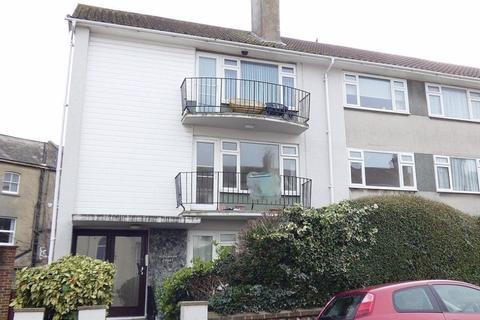 2 bedroom flat to rent - West Terrace