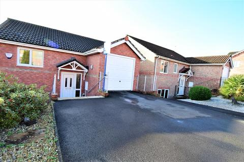 3 bedroom detached house for sale - Heol Corswigen, Barry