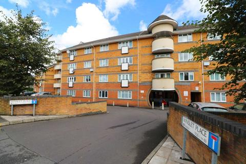 2 bedroom flat to rent - Winslet Place, Reading