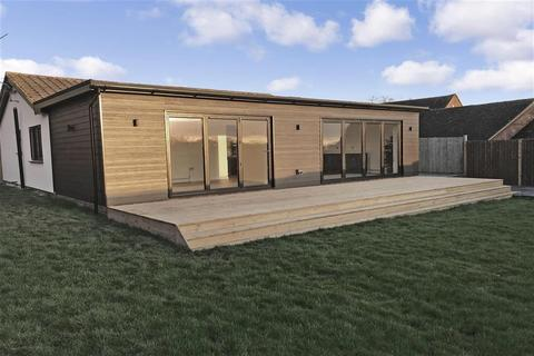 4 bedroom detached bungalow for sale - The Street, Ulcombe, Maidstone, Kent