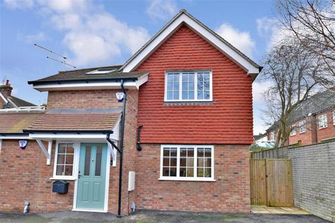 2 bedroom semi-detached house for sale - St. Marys Road, Tonbridge, Kent