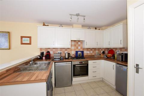 3 bedroom townhouse - Osborne Way, Bognor Regis, West Sussex