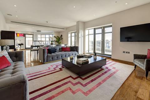 3 bedroom flat for sale - North Row, London. W1K