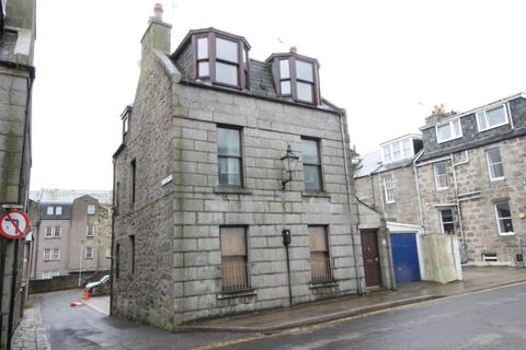 3 bedroom flat to rent - St Mary's Place, Aberdeen, AB11