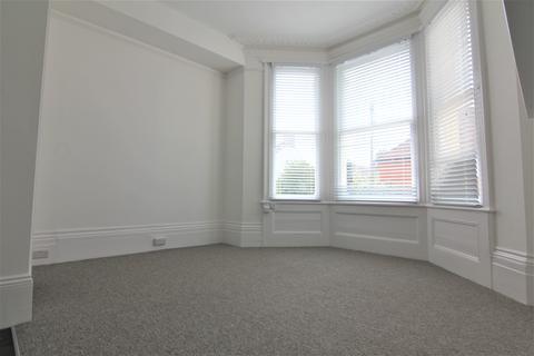 Studio to rent - Lorna Road, Hove BN3