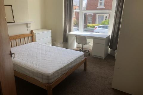 5 bedroom terraced house to rent - The Nook, Crookesmoor, Sheffield S10