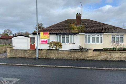 2 bedroom detached bungalow for sale - Near Stoke Mandeville Hospital, Aylesbury, HP21