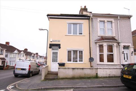 2 bedroom semi-detached house to rent - Beaufort Road, Kingswood, Bristol