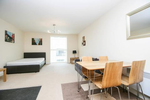 Studio to rent - 58 Sherborne Street