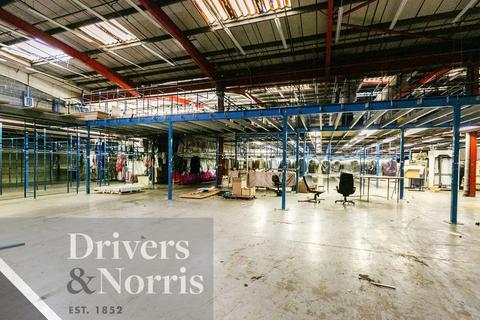 Industrial unit to rent - Tottenham, London