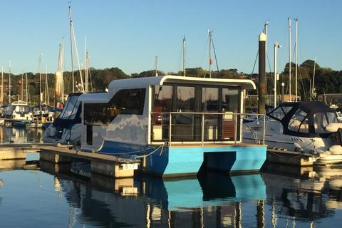 2 bedroom houseboat for sale - Sovereign Harbour, Pacific Drive, Eastbourne