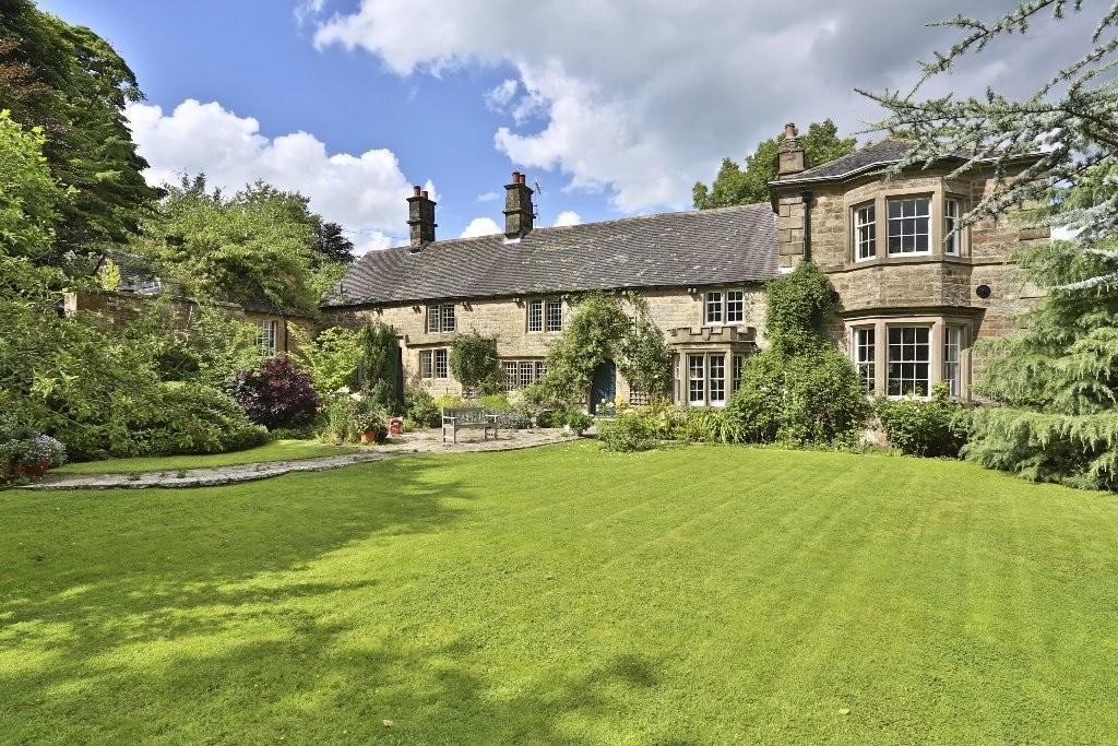 5 Bedrooms Manor House Character Property for sale in Nr Hartington, Staffordshire/Derbyshire Border