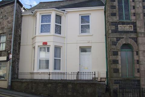 2 bedroom apartment to rent - Two bedroomed first floor flat.  Lounge, Bathroom, Kitchen/Diner, GCH, Outside Space. EPC- CDeposit £680