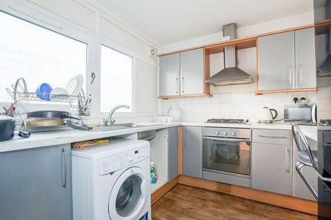 3 bedroom flat for sale - Cable Street, London E1