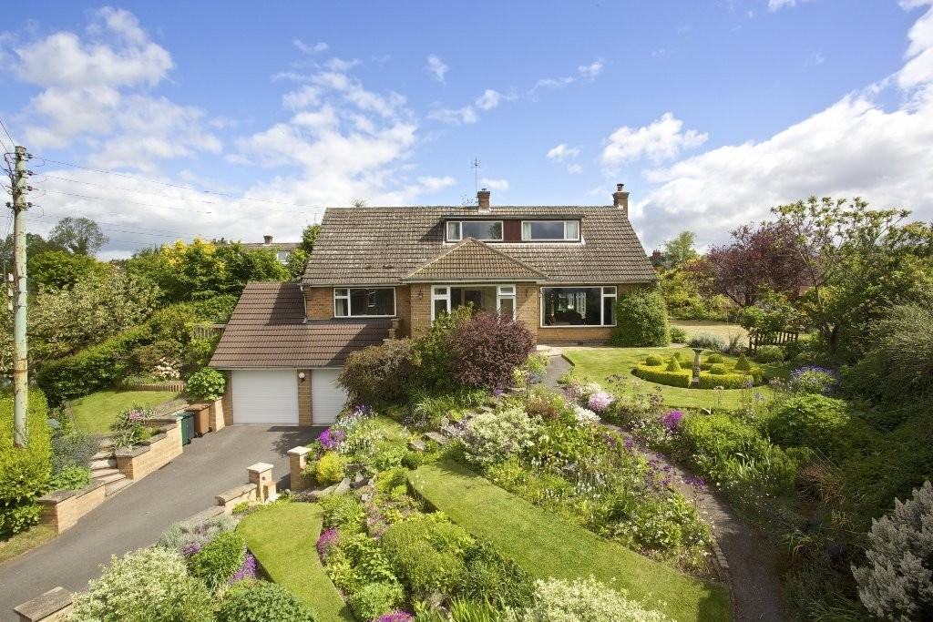 4 Bedrooms Detached House for sale in Sutton on the Hill, Ashbourne, Derbyshire