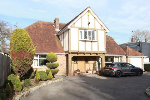 4 bedroom detached house for sale - Rayleigh Road, Shenfield