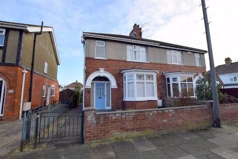 3 bedroom semi-detached house for sale - Wendover Rise, Cleethorpes, North East Lincolnshire