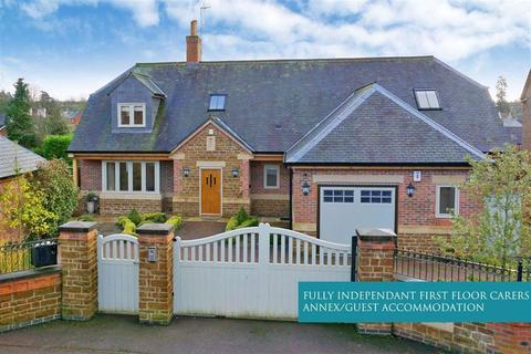 3 bedroom detached house for sale - Knights Close, Billesdon