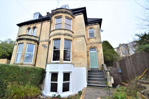 2 bedroom flat to rent - Cromwell Road, St Andrews