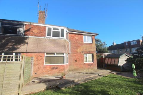 Studio to rent - Princess Avenue, West Sussex
