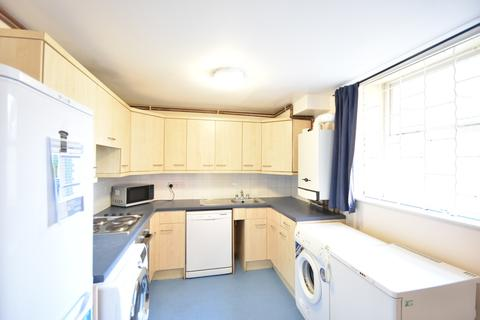 4 bedroom apartment to rent - Byron Street, Jesmond