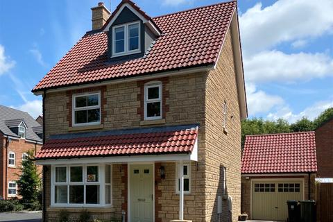 4 bedroom detached house for sale - Churchill Gardens, Yate, BS37