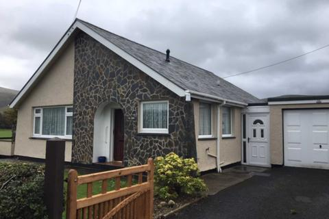 2 bedroom bungalow for sale - Pen Parc, Bryncrug, Tywyn, Gwynedd, LL36