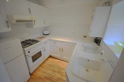 1 bedroom house to rent - 1 bedroom Apartment Basement in Marina