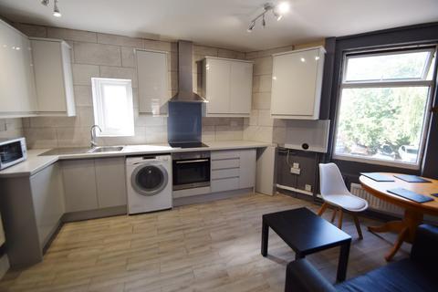 3 bedroom flat to rent - Lancing Road, Sheffield, S2 4ET