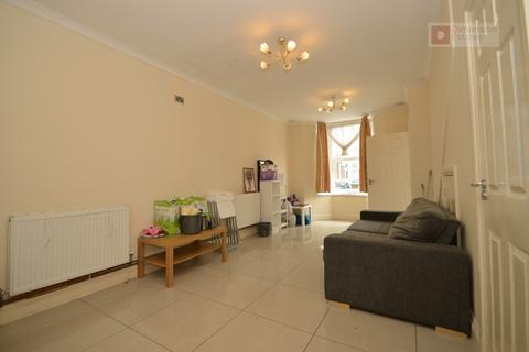 3 bedroom terraced house to rent - Napier Road, Tottenham, London, N17