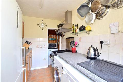 2 bedroom semi-detached house for sale - Chichester Road, Tonbridge, Kent